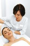 De vrouwengezicht van de schoonheid Plastische chirurgie Kosmetische anti-Veroudert Injectio royalty-vrije stock afbeelding
