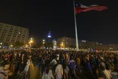 De vrouwenprotesteerders overbevolken in Santiago de Chile tijdens 8M International Womens Day stock fotografie