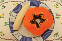 De vruchten ontbijten thuis royalty-vrije stock afbeeldingen