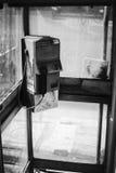 De vuile oude openbare telefoon in Thailand, de zwart-witte stijl van het kleurenbeeld, selectieve nadruk, veronachtzaamde punt i royalty-vrije stock foto's