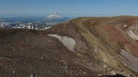 De Vulkaan van Gorely, Kamchatka stock footage