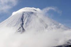 De vulkaan van Kluchevskoy. royalty-vrije stock afbeeldingen