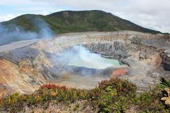 De vulkaan van Poas in Costa Rica stock fotografie
