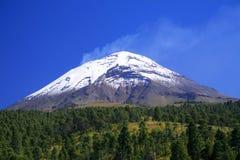 De vulkaan van Popo Stock Foto's