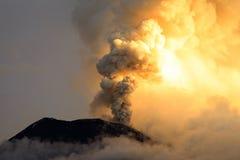 De vulkaanuitbarsting van Tungurahua Royalty-vrije Stock Fotografie