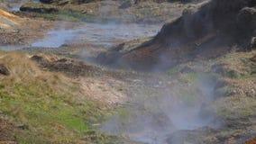 De vulkanische hete lente stock video