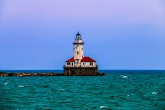 De Vuurtoren van Chicago op Meer Michigan stock afbeelding