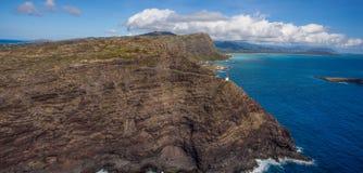 De Vuurtoren van het Makapuupunt en wandelingssleep Oahu stock afbeelding