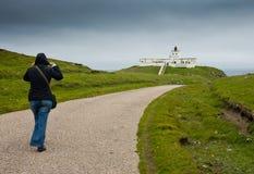 De vuurtoren van het Strathypunt, Schotland, mening van de weg royalty-vrije stock afbeelding