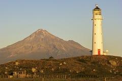 De Vuurtoren van kaapegmont in Nieuw Zeeland Stock Foto