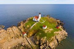 De Vuurtoren van kaapneddick, het Oude Dorp van York, Maine Stock Foto
