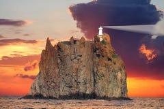 De Vuurtoren van Stromboli, Italië Royalty-vrije Stock Afbeeldingen
