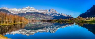 De Waaier en Lac du Passy, Frankrijk I van Aravis Royalty-vrije Stock Foto