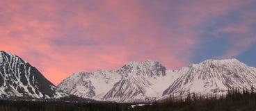 De waaier-panorama-Roze zonsondergang van Alaska Royalty-vrije Stock Afbeelding