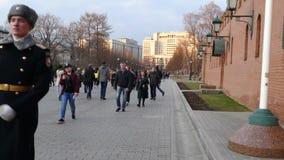 De wacht in het Kremlin stock video