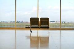 De Wachtkamer van de luchthaven stock foto's
