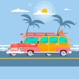 De wagen van de Woodiebranding op de zomerachtergrond met palmen Royalty-vrije Stock Fotografie