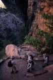 De Wandelaars van de canion stock foto