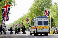 De wandelgalerij die met de vlaggen van Union Jack wordt verfraaid Stock Fotografie