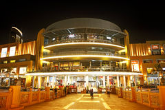 De Wandelgalerij van Doubai is het grootste winkelcomplex van de wereld Royalty-vrije Stock Afbeeldingen