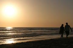 De wandeling van de zonsondergang Royalty-vrije Stock Afbeelding