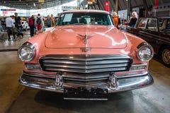 De ware grootteauto Chrysler Windsor, 1956 Royalty-vrije Stock Foto's