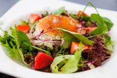 De warme salade van de geitkaas Royalty-vrije Stock Foto's