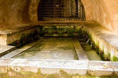 De wasplaats van Cefalu van verleden stock foto