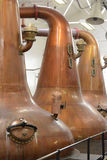 De Wastdistilleertoestellen worden gebruikt in de distillatie van Schotse Moutwhisky royalty-vrije stock afbeeldingen