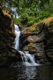 De waterdalingen zijn beste nature& x27; s ooit gemaakte verwezenlijking stock afbeeldingen