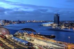 De waterkant van Amsterdam, Nederland Royalty-vrije Stock Foto's