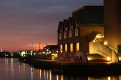 De Waterkant van Halifax bij Schemering Stock Foto's