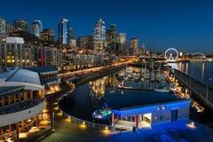 De waterkant van Seattle bij zonsondergang Stock Afbeeldingen