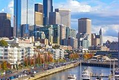 De waterkant van Seattle in de herfst Stock Afbeeldingen