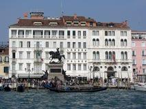 De Waterkant van Venetië Stock Foto