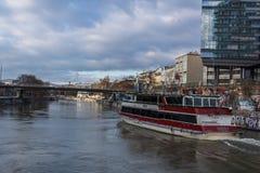De waterkant van Wenen royalty-vrije stock foto's