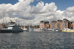 De waterkantjachthaven van Ipswich op zonnige dag Royalty-vrije Stock Foto's