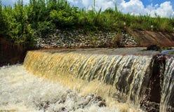 De Waterkering van het overstromingswater Stock Fotografie