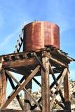 De watertoren sluit Boerderij Stock Fotografie
