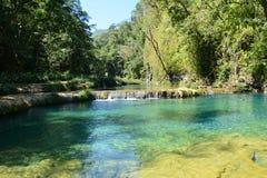 De Waterval Lanquin Guatemala van Semucchampey stock afbeeldingen