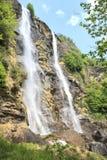 De waterval van Acquafraggia in Sondrio Stock Afbeeldingen