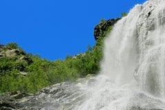 De waterval van Alibek De bergen van Dombay Noordelijke Caucas Royalty-vrije Stock Fotografie