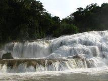 De waterval van Azul van Aqua in Mexico Stock Fotografie