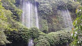 De waterval van Benangkelambu Stock Foto's