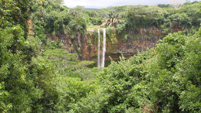 De waterval van Chamarel mauritius stock videobeelden