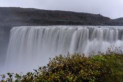 De Waterval van Dettifoss in IJsland stock foto's