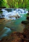 De Waterval van Erawan, Kanchanaburi, Thailand Royalty-vrije Stock Fotografie