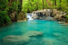 De Waterval van Erawan, Kanchanaburi, Thailand Royalty-vrije Stock Foto's