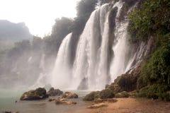 De waterval van Gioc van het verbod in Vietnam Stock Afbeeldingen