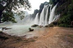 De waterval van Gioc van het verbod in Vietnam Stock Fotografie